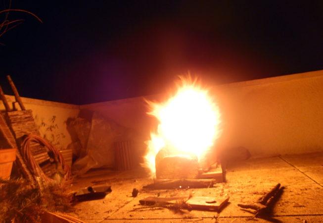Four à bois chauffé au grand feu