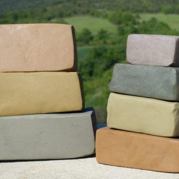 Pains d'argiles colorées à modeler