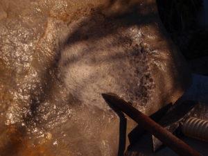 Creusage d'un mortier dans la pierre