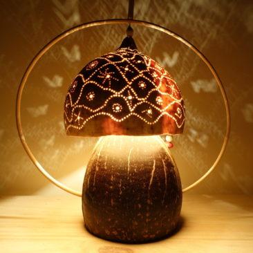 Lampe en noix de coco translucide suspendue
