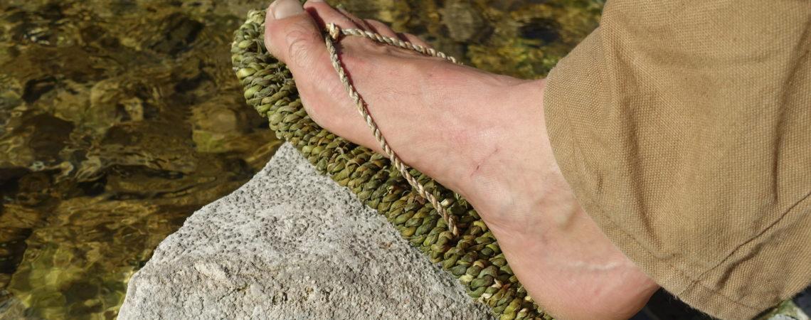 Sandale en vannerie cordée en feuilles de yucca