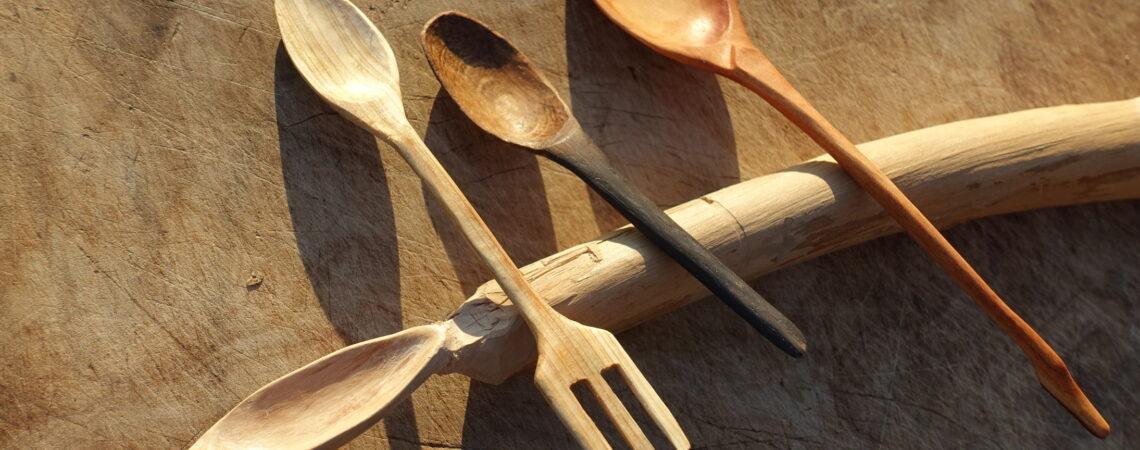 Cuillères en bois de genévrier, chêne et amélanchier