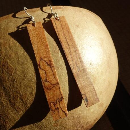 Boucles d'oreille en bois de noyer